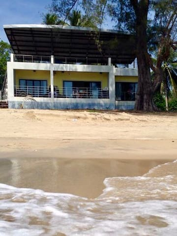 Beautiful Beach House With 2 Motor Bikes to Expore
