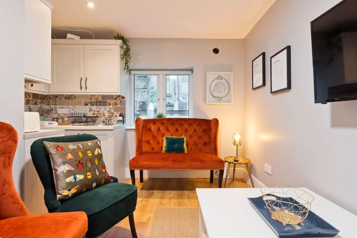 4 bd + 3 bth + Dining +WiFi + TV @ O'Connell Slp 8