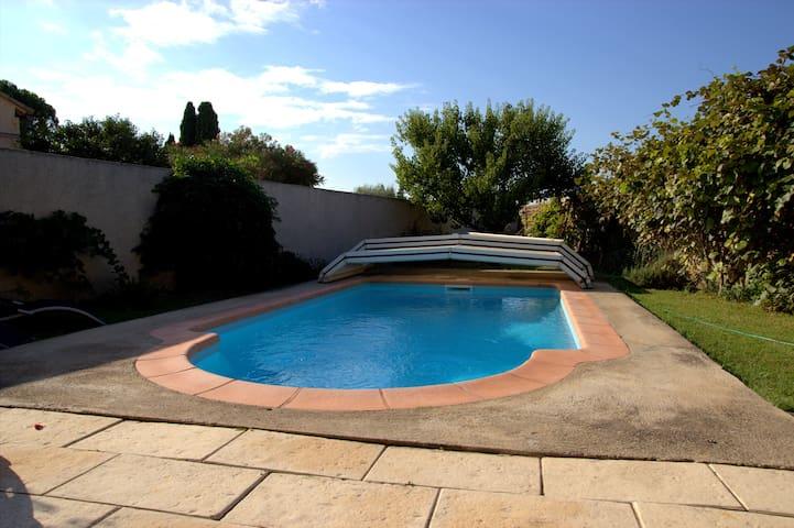 mazet provencal de village - Sarrians - Casa