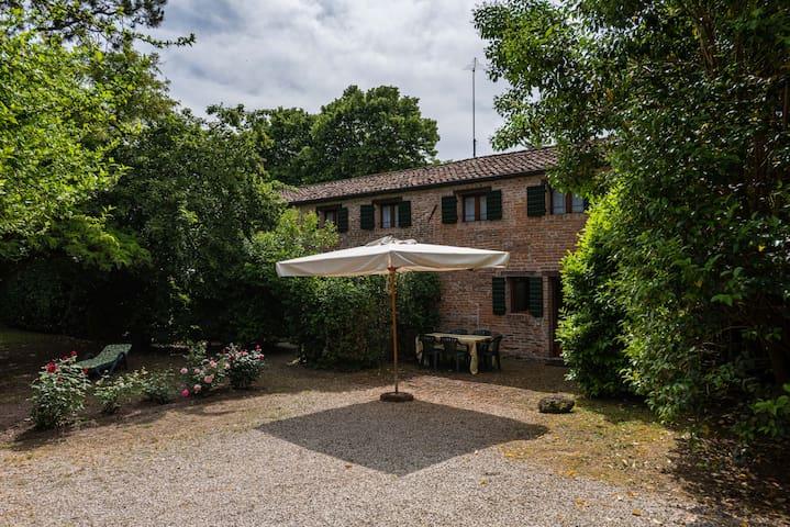 Casa Pisani A_120sqm villino con piscina