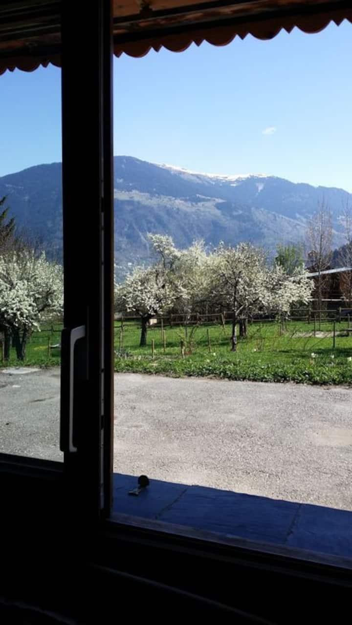Appartement cosy avec jardin et vue sur la vallée