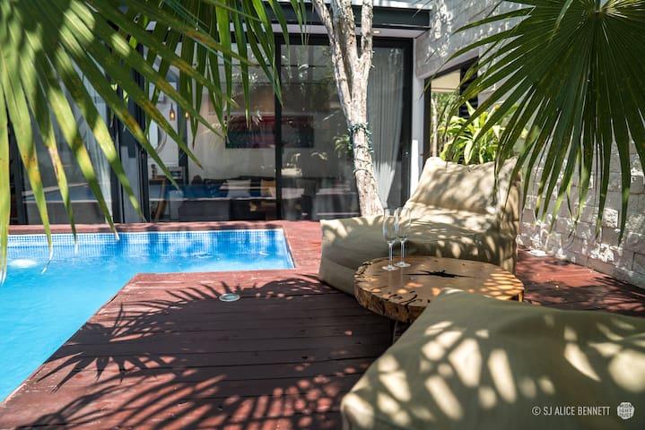 New 3 Bedrooms Villa in jungle Tulum, private pool