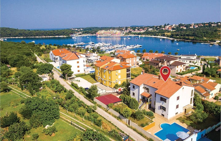 Stunning home in Volme with WiFi and 2 Bedrooms