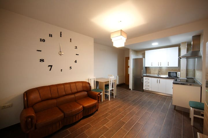 Moderno Apartamento a 1 minuto del centro - Baeza - Apartemen