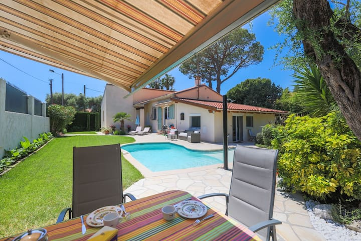 VILLA LES ONDES VI4120 by RIVIERA HOLIDAY HOMES