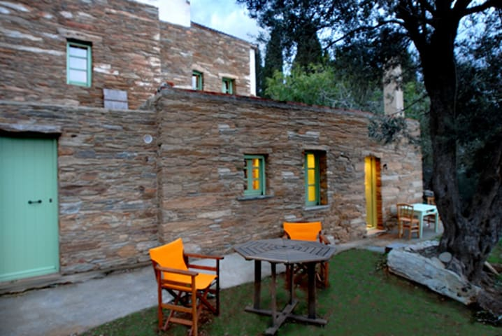 Traditional Cosy Stone Cottage-Elitsa (Olive Tree) - Ipsila - บ้าน