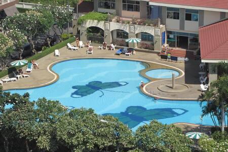 2-bedrooms,Pattaya,Jomtien,1st Line,high floor.