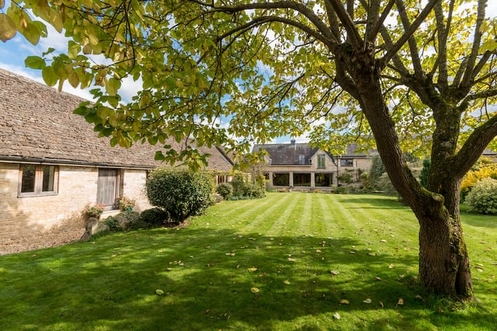 Charming Cotswold village cottage ideal Badminton - Yatton Keynell