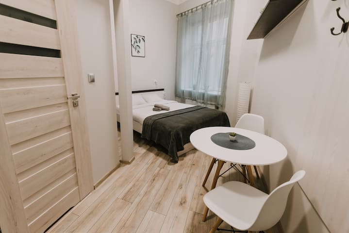 Private double room in Old Town 5min to MainSquare