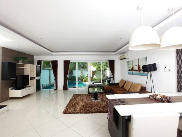 Fabulous Private Pool Villa