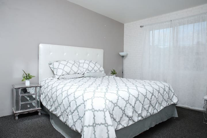 Modern 2bedroom Apt with AC, Playas de Tijuana, MX
