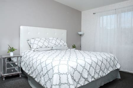 Modern 2bedroom Apt with AC, Playas de Tijuana, MX
