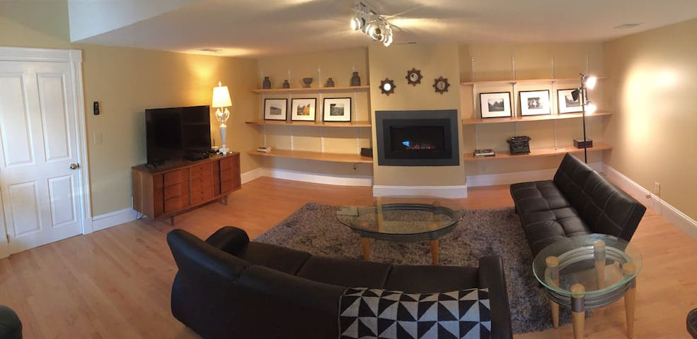 Private Carriage House for 5 Near Downtown, 2 beds - Saratoga Springs - Hus