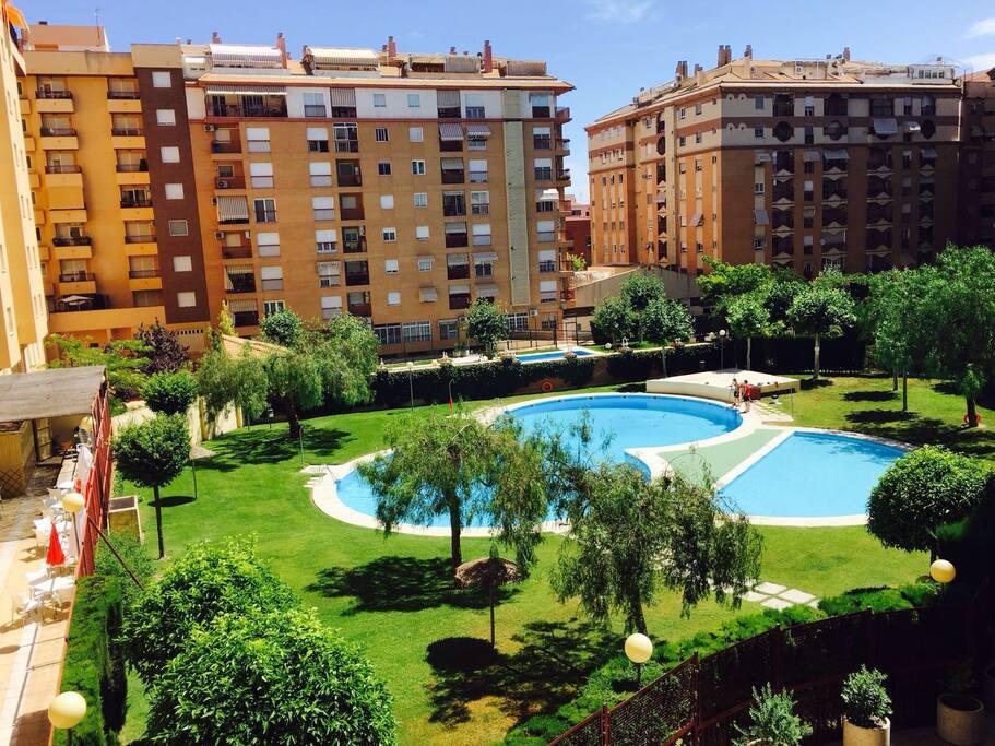 Piso en buena zona con piscina y wifi apartments for for Piscina jaen