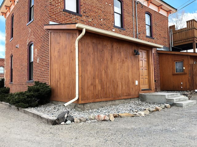 Enjoy easy access to F Street using the back door.