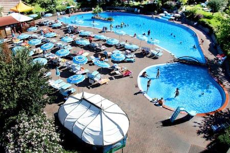 Chalet 3 letti  in Villaggio Turistico