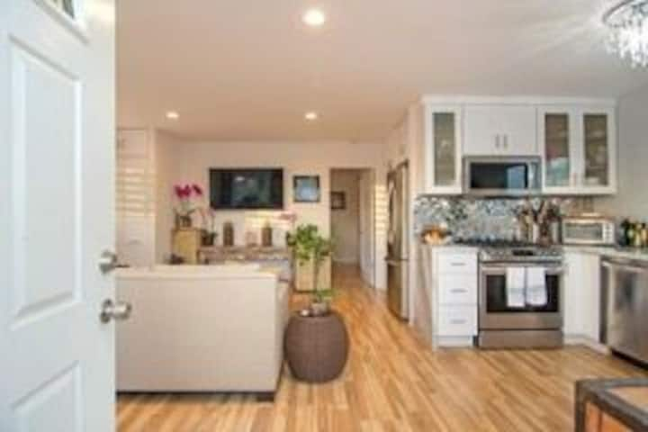 GORGEOUS ocean view duplex one block to the bluff!
