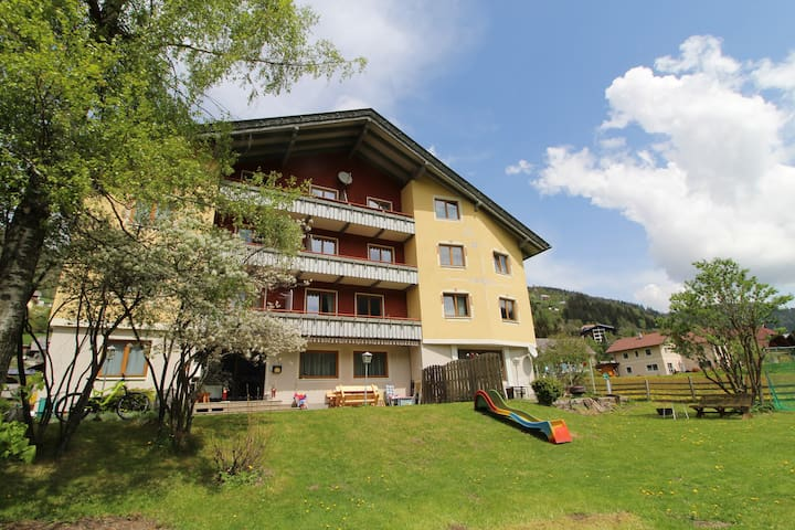 RoZa´s Nest Rooftop Apartment  Bad Kleinkirchheim
