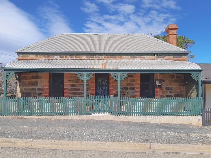 Burra Bed and Breakfast - Historical Cottage