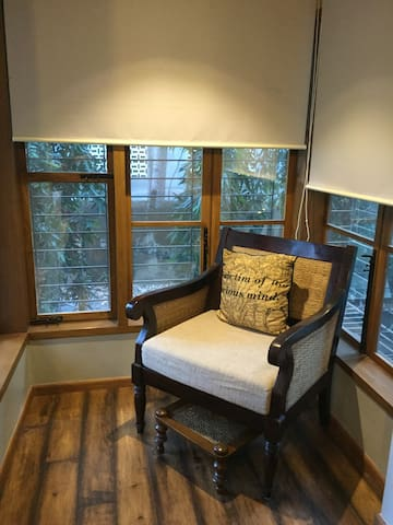 Stylish studio in leafy Bandra - Mumbai - Flat