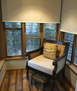 Stylish studio in leafy Bandra - Mumbai - Wohnung
