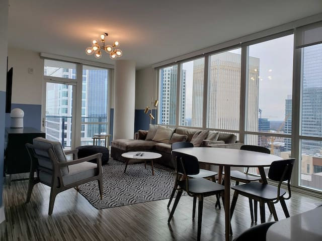 Domio | Uptown Charlotte | Grande 2BR | Parking + Balcony + Gym
