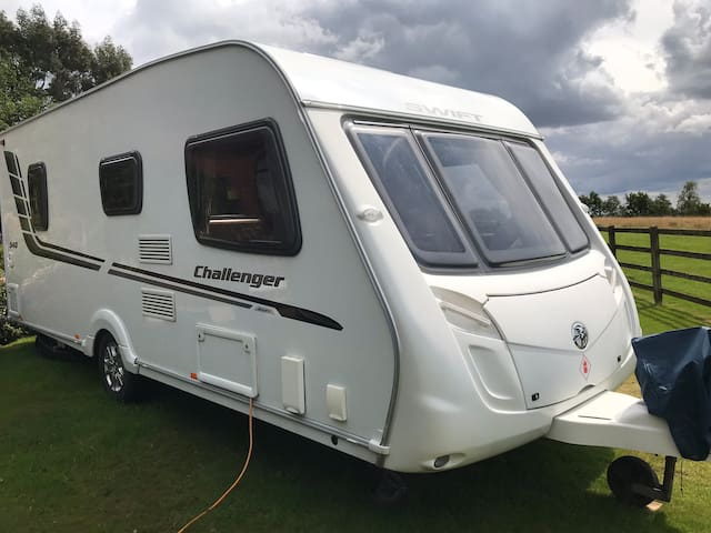 Caravan with use of Indoor Pool, near Celtic Manor