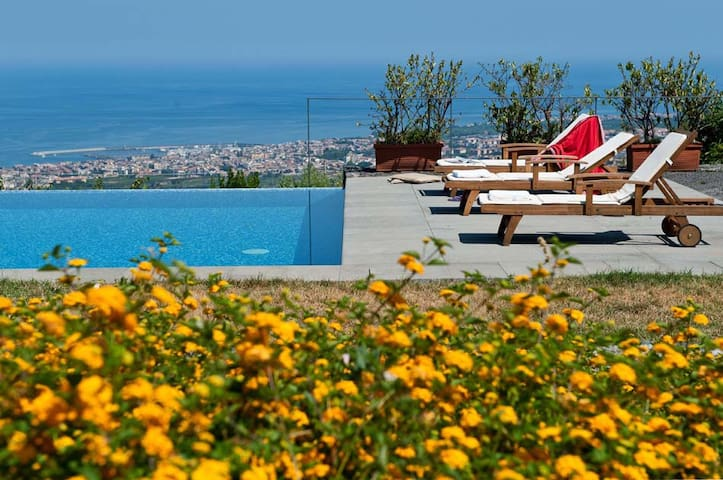 Villa Montebello, Acireale, Sicily