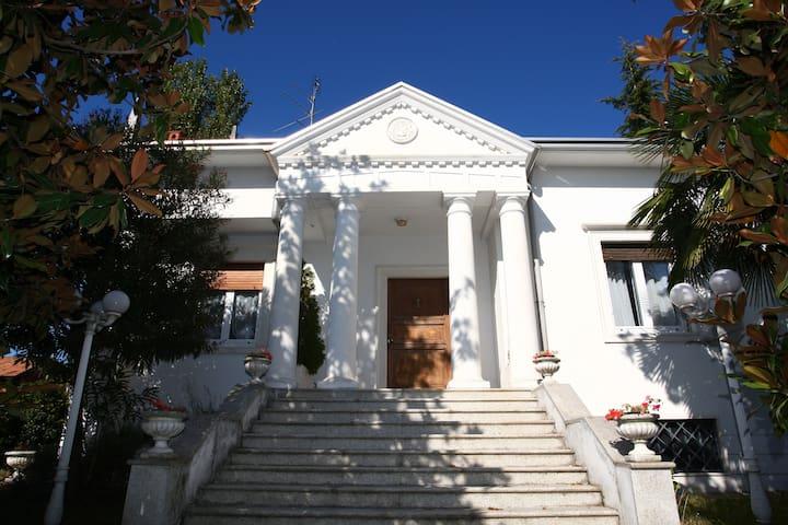 Villa d'Epoca '700 Palladiano - Locate Varesino - Apartment