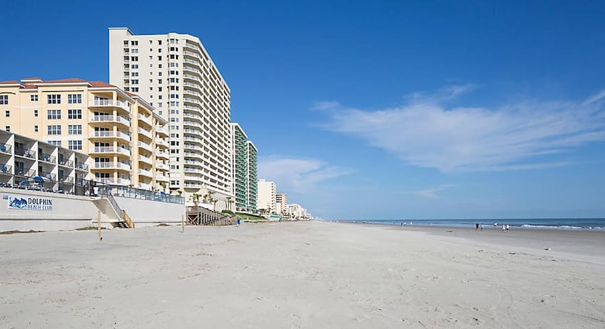 Beach Front Resort Studio Unit at Daytona Beach #2