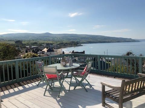 Seaview Cottage, beach, golf, Antrim Coast