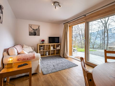 Modern 2 bedroom apartment for 3 in Meribel valley