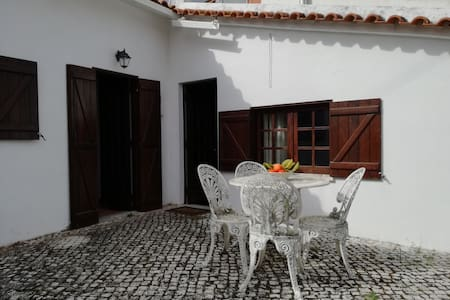 House of Avô Henrique - Hus