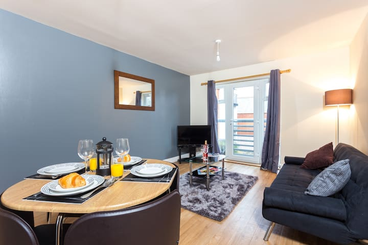 Pride Apartment - Derby - Appartement