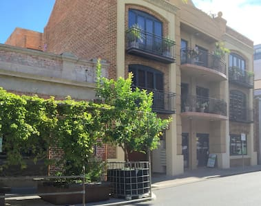 Franciscos-central Freo one bedroom - Fremantle - Apartment