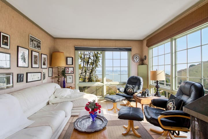 Charming SF Bay View Hilltop Home Wine Country