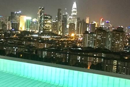 10-12 paxs 4R4B 180* KLCC view Free Wifi-Penthouse - Kuala Lumpur