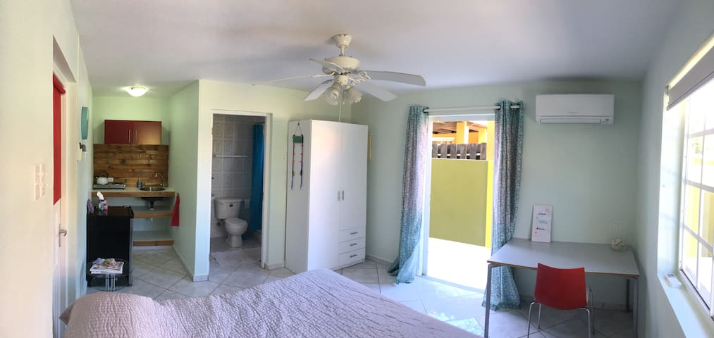 Nice renovated apartment in quiet neighborhood - Oranjestad - Apartamento