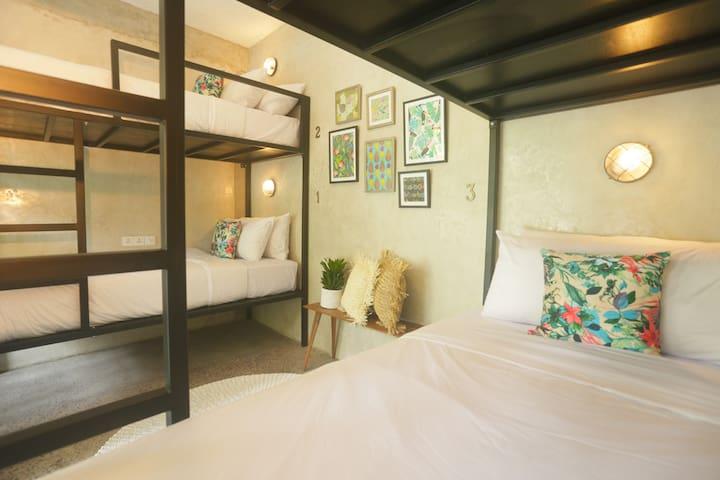 Cozy Hostel in Seminyak -Shared room - 4pax / room - Kuta - Hostel