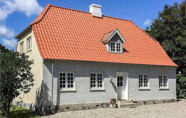 Holiday cottage with 3 bedrooms on 120m² in Tranekær