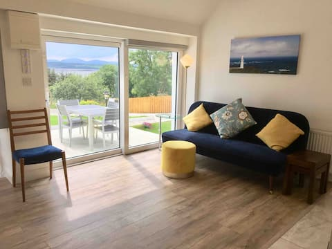 Brownes Sea View Cottage No 2 (Dungloe 14km)