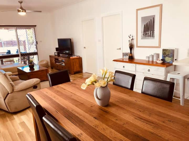 Umina Beach House - 6 minutes walk to the beach