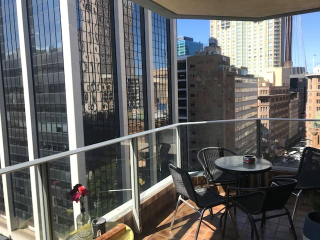 1 Double room + Bathroom in the Heart of the City