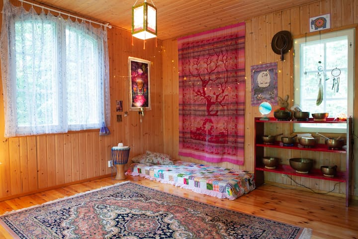 Heart of Nuuksio - Green Tara Temple Bed Room