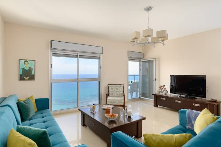 BEACH APARTMENT 3BR - OCEAN VIEW - PARKING - WIFI - DOORMAN