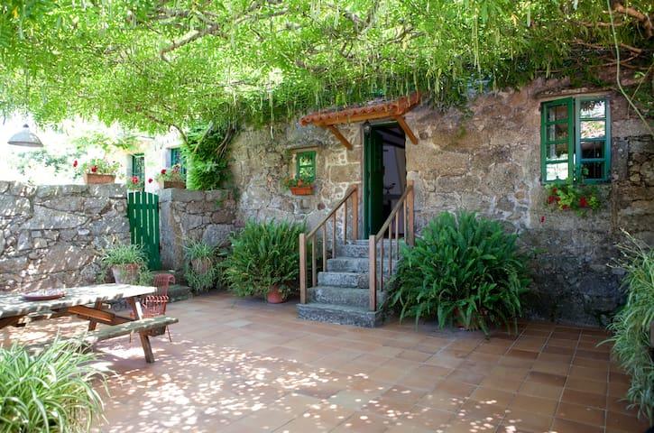 Preciosa casa rural en O Salnés, Rías Baixas - O Salnés - Huis