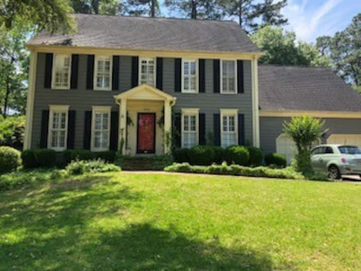 Southern Charm, Central location near everything!
