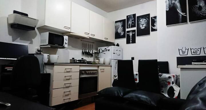Estudio con habitación independiente en Madrid