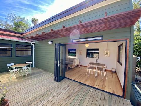 Enchanting, stylish Marigold Cottage in Hout Bay