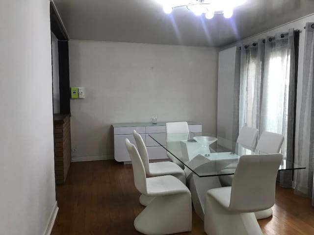 appartement T4 proche st priest ,genas,eurexpo